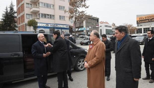 İlhan Cavcav son yolculuğuna uğurlandı başlıklı haberin fotoğrafları