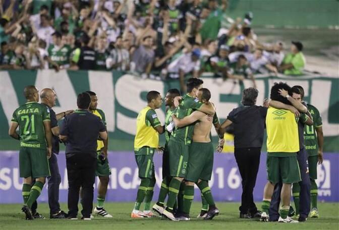 Son dakika haberi : Brezilyalı futbolcuları taşıyan uçak, Kolombiyada düştü