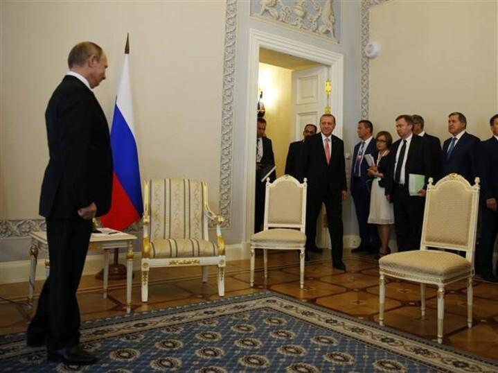 Erdoğan Rusya'da Putin ile görüştü