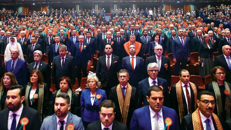 Törene katılmayan 55 baroya tepki: 'Demokrasiyle bağdaşmıyorlar'