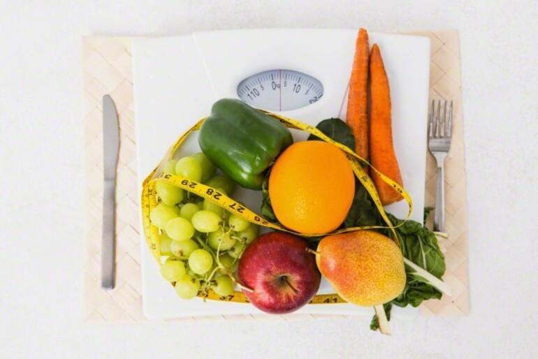 Göbeğinden kilo alanların bilmesi gereken 9 yiyecek