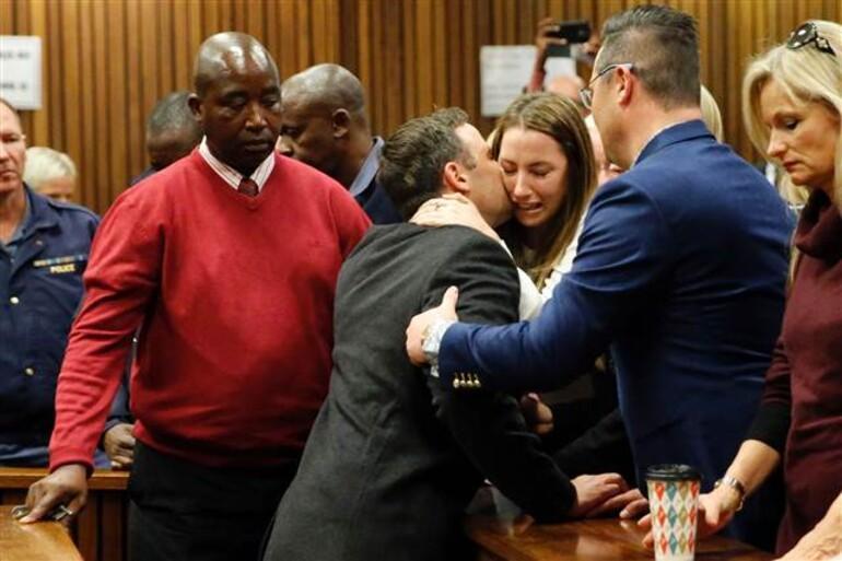 Oscar Pistorius'a 6 yıl hapis cezası