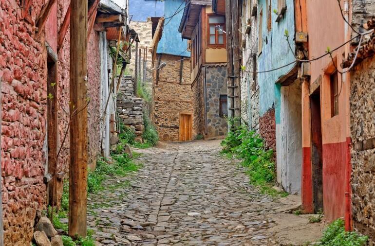 Buram buram tarih kokan Osmanlı köyü: Cumalıkızık