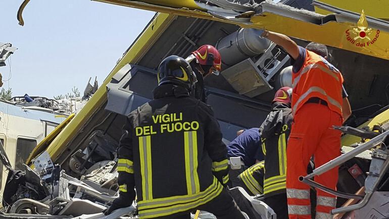 İtalya'da tren kazası: En az 10 ölü