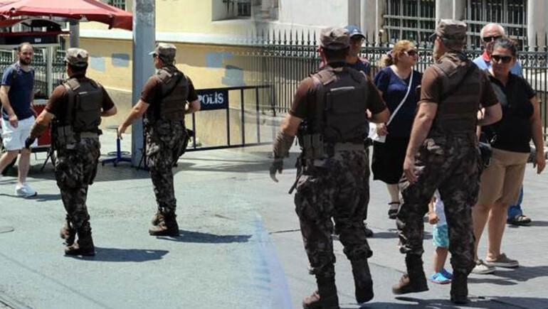 Son dakika haberi: İstiklal Caddesi'nde kamuflajlı ve silahlı güvenlik güçleri