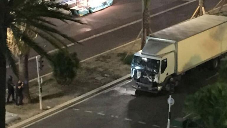 Son dakika haberi: Fransa'da kamyon dehşeti: Çok sayıda ölü ve yaralı var