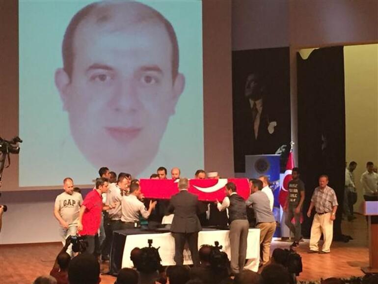 Prof. Dr. İlhan Varank son yolculuğuna uğurlanıyor
