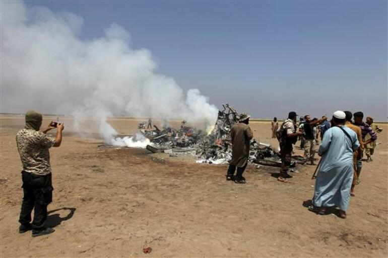 Suriye'de Rusya'ya ait Mİ-8 helikopteri düşürüldü: Beş ölü