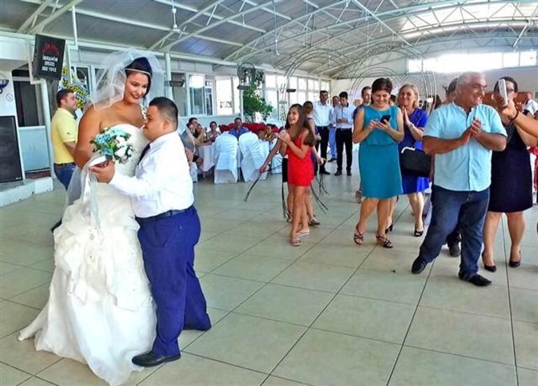 Koray için temsili düğün