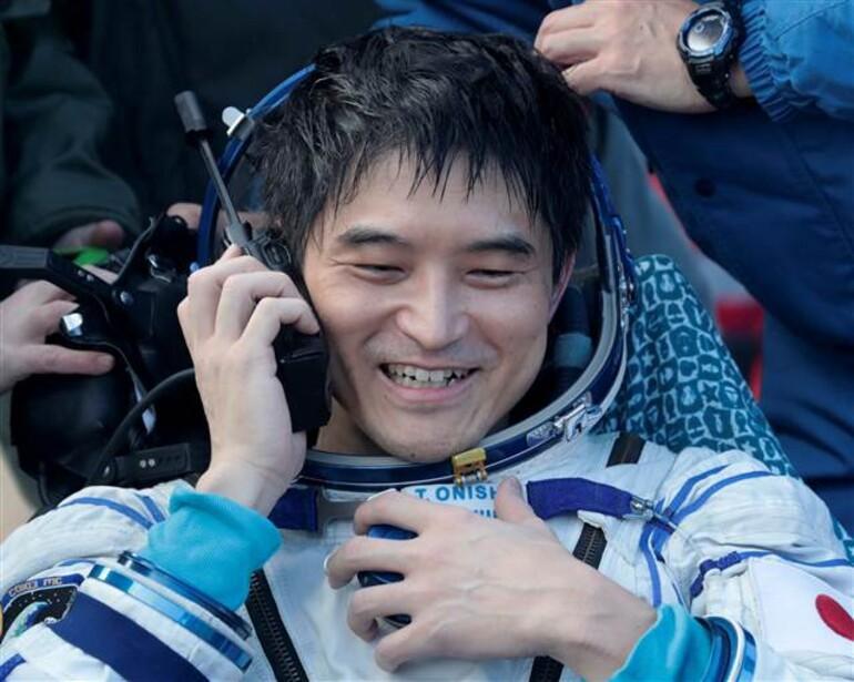Soyuz dünyaya döndü, böyle geldiler...