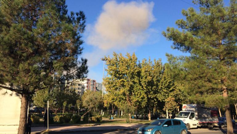 SON DAKİKA... Diyarbakırda patlama Bombalı araç iddiası...