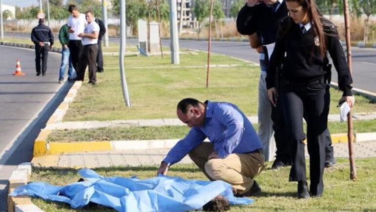 Antalya Muratpaşa Kardeş Kentler caddesinde motor kazası
