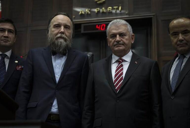 AK Parti grubunda dikkat çeken isim: Alexandr Dugin