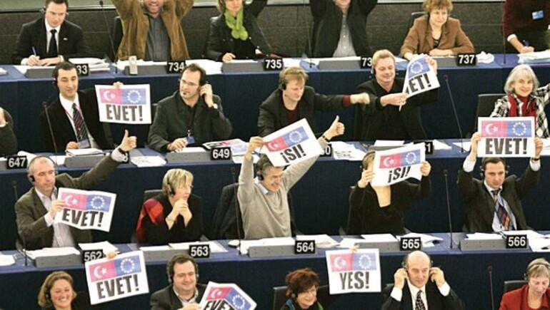 APdeki kritik Türkiye oylaması sonuçlandı