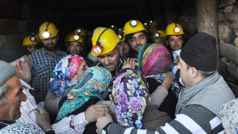 Krom madeninde mahsur kalan işçi 23 saat sonra kurtarıldı