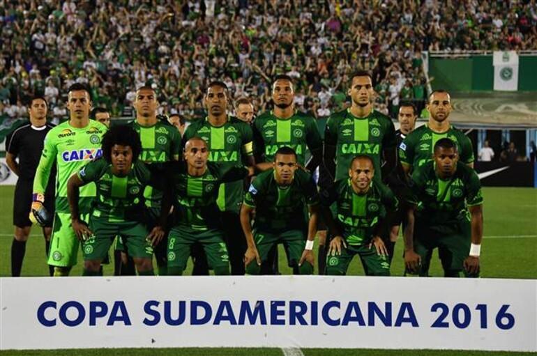SON DAKİKA: Brezilyalı futbolcuları taşıyan uçak Kolombiyada düştü... İlk haber geldi