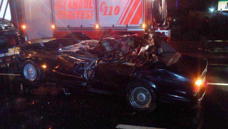 Erdal Tosun trafik kazasında yaşamını yitirdi.. Olay yerinden ilk görüntüler