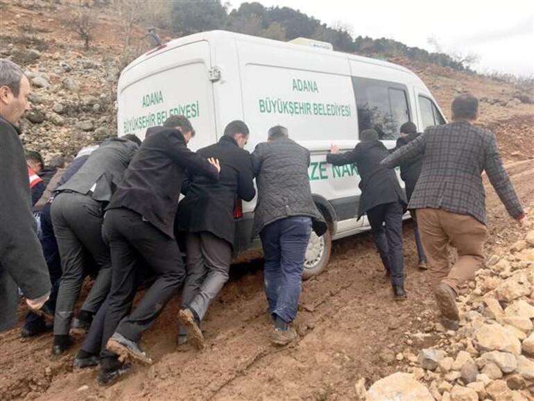 Okumak için ayrıldıkları köylerine cenaze aracıyla getirildiler