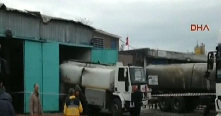 Son Dakika: İstanbul Büyükçekmecede akaryakıt tankerinde patlama