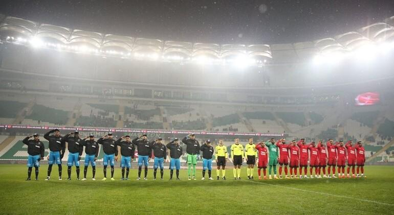 Bursaspor: 3 - Ümraniyespor: 0