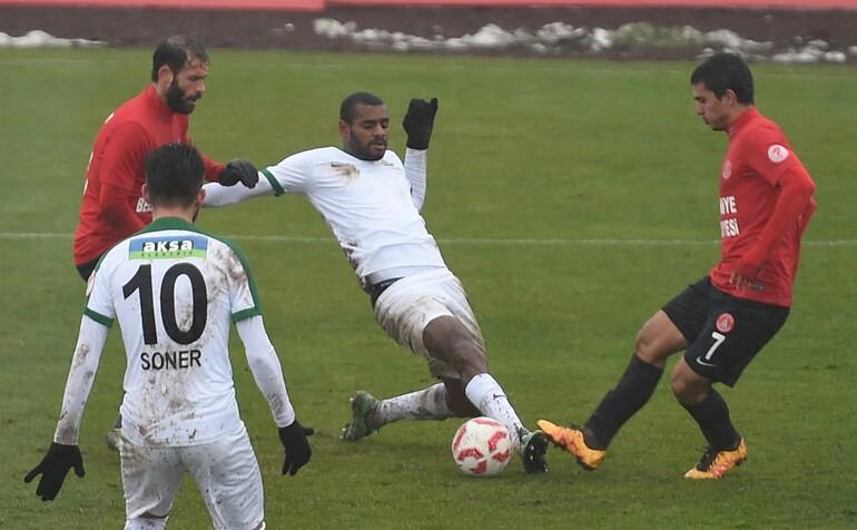 Ümraniyespor 1-2 Akhisar Belediyespor