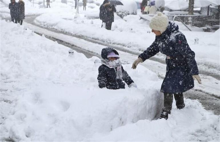 İstanbulda kar kalınlığı 110 cmye ulaştı