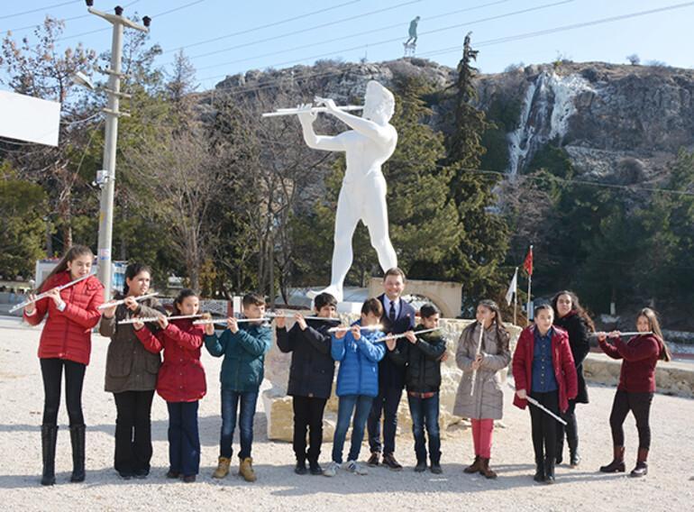 Dünyanın ilk müzik yarışması Anadolu'da yapıldı