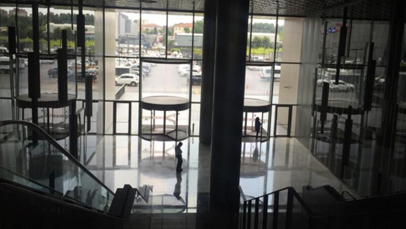 İBB ile Multi anlaştı kiracılar ortada kaldı
