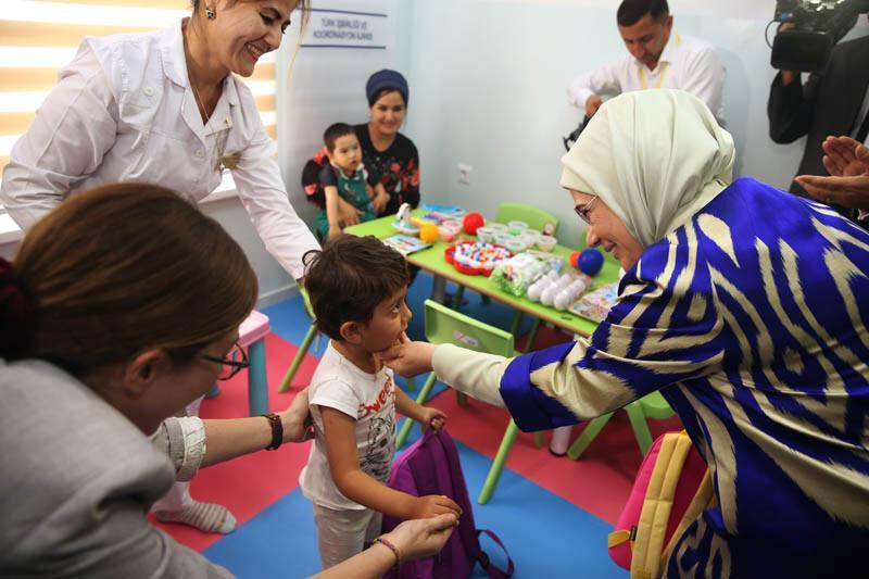 Emine Erdoğan: Engelli bireylere yardım hepimizin görevidir