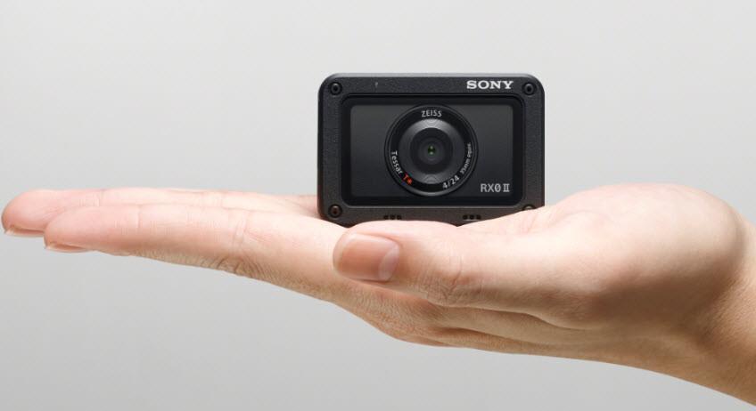 Sony'den hem küçük hem hafif fotoğraf makinesi: RX0 II