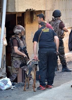 Adana'da canlı bomba baskını
