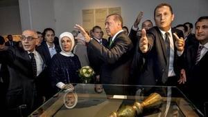 Cumhurbaşkanı Erdoğan'ın korumaları ile yumruklaştılar