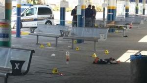 İsrail askerleri, Filistinli kadını sokak ortasında vurdu