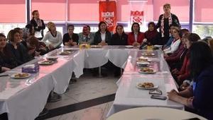 Sivasspora kadınlardan destek