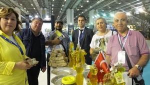 Burhaniyenin zeytinyağları İzmirde tanıtılıyor