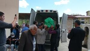 Açlık grevi yapan Kemal Gün, teslim aldığı DHKP-Cli oğlunun kemiklerini toprağa verdi - fotoğraflar