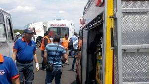 Malatyada belediye otobüsüne kamyon çarptı: Yaralılar var (1)