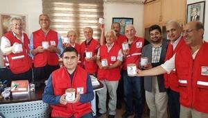 Türk Kızılayı 384 kutu et konservesi dağıttı