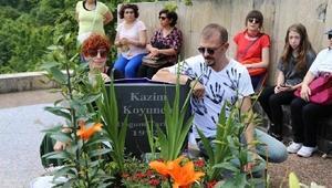 Kazım Koyuncu, mezarı başında anıldı