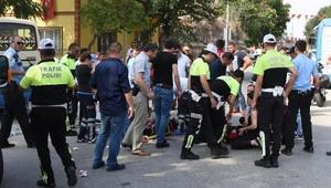 Hırsızlık ihbarına giden motosikletli Yunus timi minibüsle çarpıştı: 2 polis yaralı