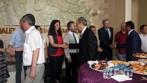 Bursa Adliyesinde ilk mesai günü bayramlaşma