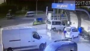 Kastamonuda 1 kişinin öldüğü, 6 kişinin yaralandığı kaza güvenlik kamerasında