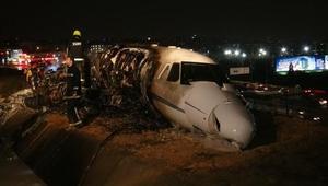 EK FOTOĞRAFLAR-2//Atatürk Havalimanında iniş sırasında uçak düştü: 4 yaralı