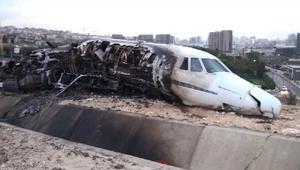 fotoğraflar//Kaza yapan uçağın gündüz çekilen görüntüleri