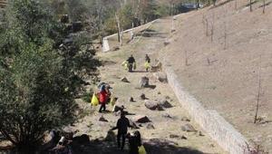 Erzurumlu gençler, Yanıkdere Şehitliğini temizledi