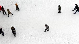 Kar yağışı nedeniyle bu illerde eğitime ara verildi