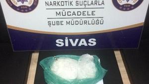 Sivasta uyuşturucu operasyonlarında 3 gözaltı