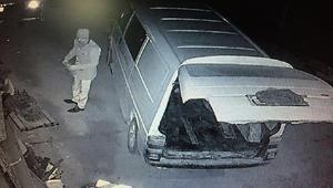 Araba yedek parçası hırsızlığı kamerada