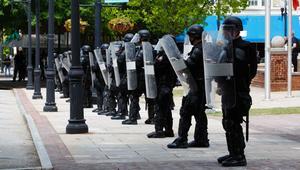 Üniversite yönetimi istedi, polis öğrencilere operasyon yaptı