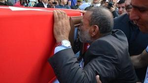 Şehit Uzman Çavuş Mehmet Türkeni ikizleri uğurladı